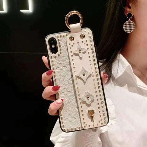 Chic Rivet Designed Four Leaf Clover Phone Case for Samsung with Wrist Strap gallery 5