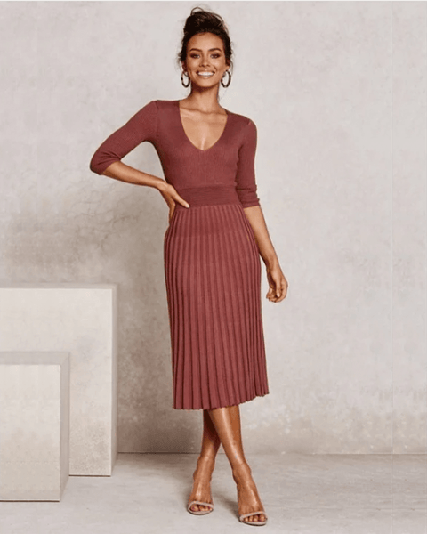 Solid Color V-Neck Ribbed Pleated Knitted Dress
