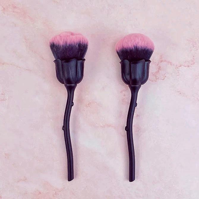 Designed Rose Shape Soft Multi-Functional Makeup Brush