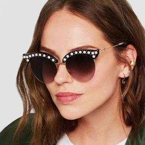 Vintage Wafer Lens With Pearl Side & Bee Detail Frame Sunglasses gallery 1