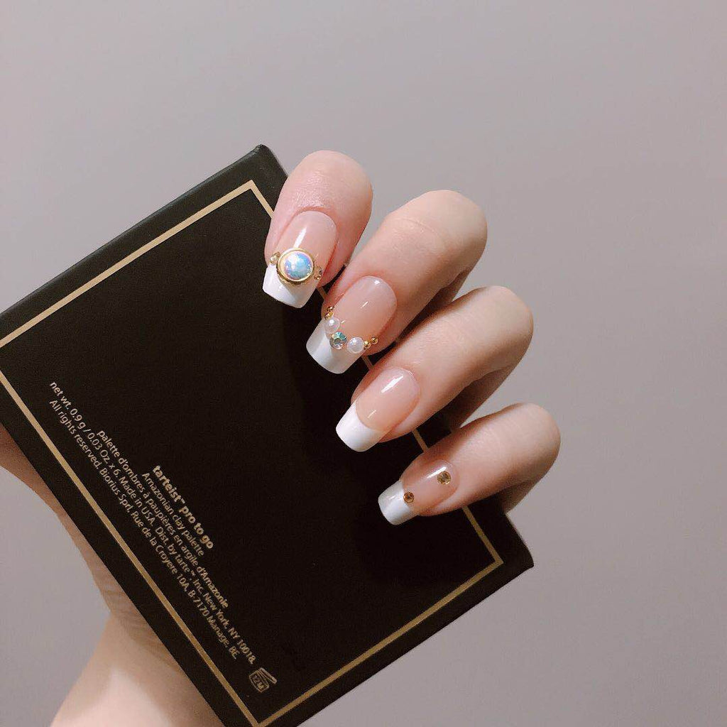 Mermaid Magic Press On Nail Manicure