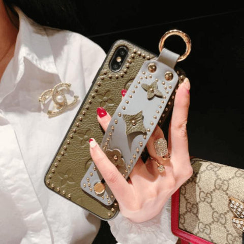 Chic Rivet Designed Four Leaf Clover Phone Case for Samsung with Wrist Strap gallery 3