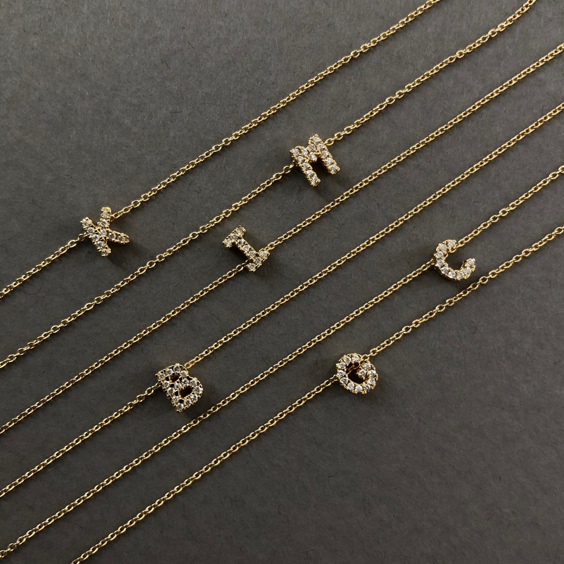 Shine, 18-karat Yellow Gold Necklace with Diamond Pendant - B
