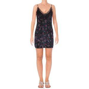 Aqua Capsule Velvet Lace Trim Mini Dress - FREE SHIPPING USA - Wild Time Fashion