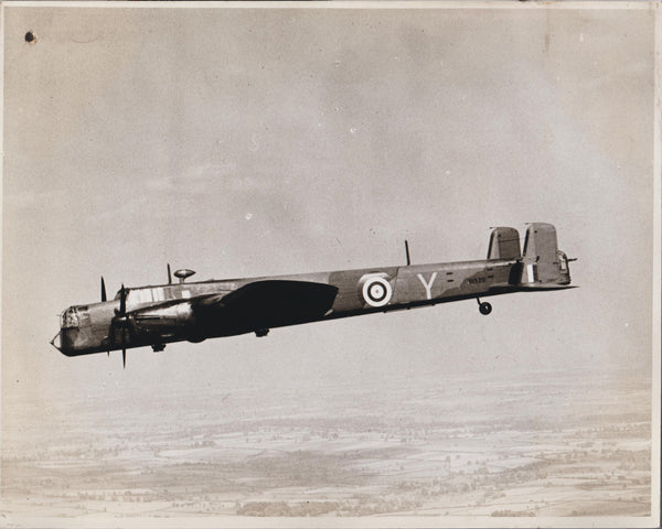Official Vintage WWII Photo - Armstrong Whitworth Whitley