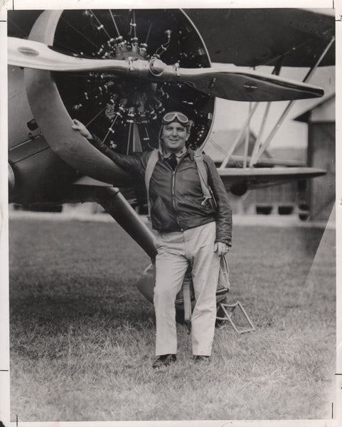 Classic Press Photo of Len Povey With 1000 h.p. Curtiss - circa 1936