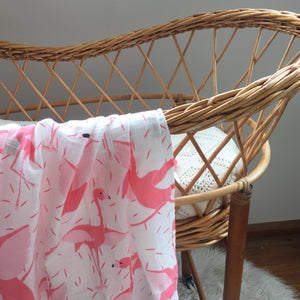 Organic cotton muslin swaddle - pink flamingo