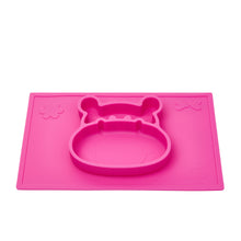 Suction silicone placemat in a hippo shape helps develop baby's pincer grasp and is great for messy play and sensory activities.