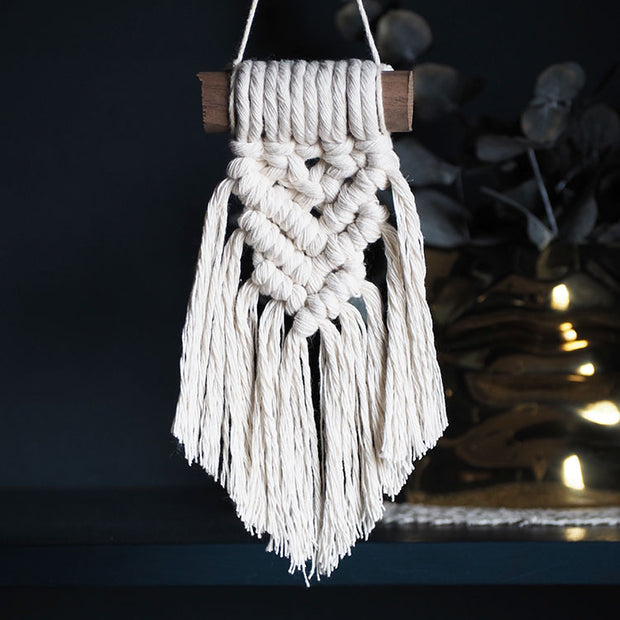 Small Macrame Wall Hanging – Armelina