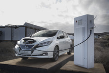 Nissan Leaf on Charge