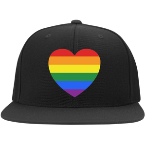 Rainbow Heart upoong Flat Bill Twill Flexfit Cap