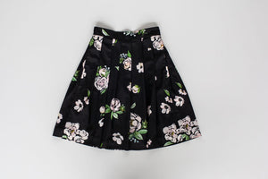 Pleated Skirt in Black Floral