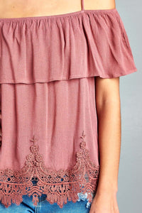 Ladies fashion flounce open shoulder w/hem crochet lace crinkle gauze woven top