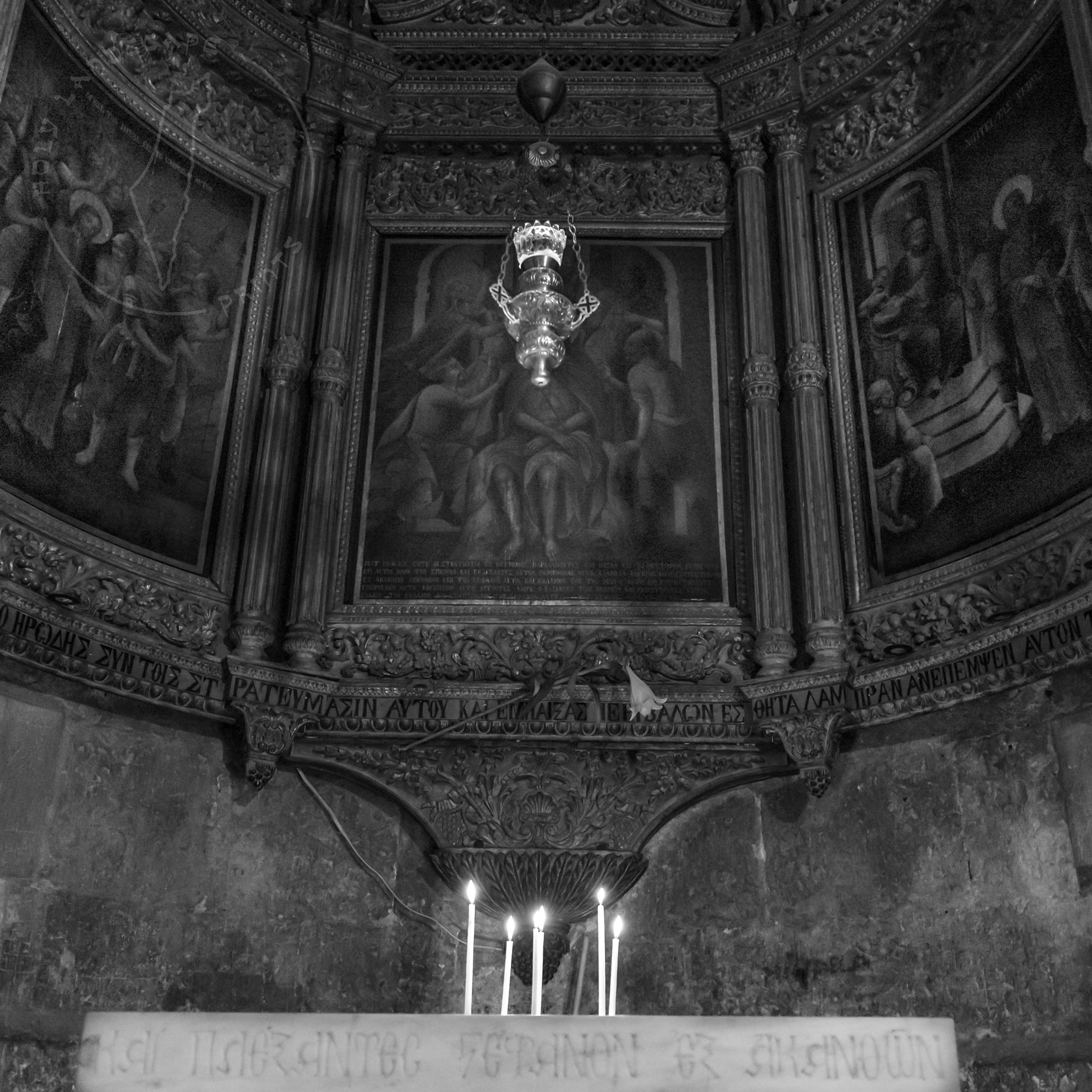 Black & White inside church of the holy sepulchre