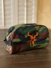 Load image into Gallery viewer, camo dopp kit