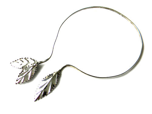 Leafy Choker Necklace