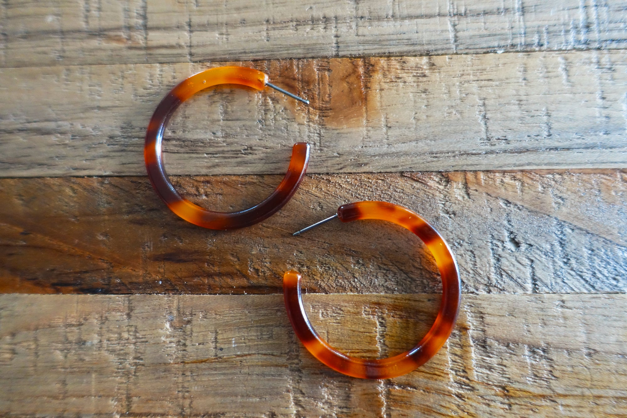 Tortoise Hoop Earrings - Bay & Harbour