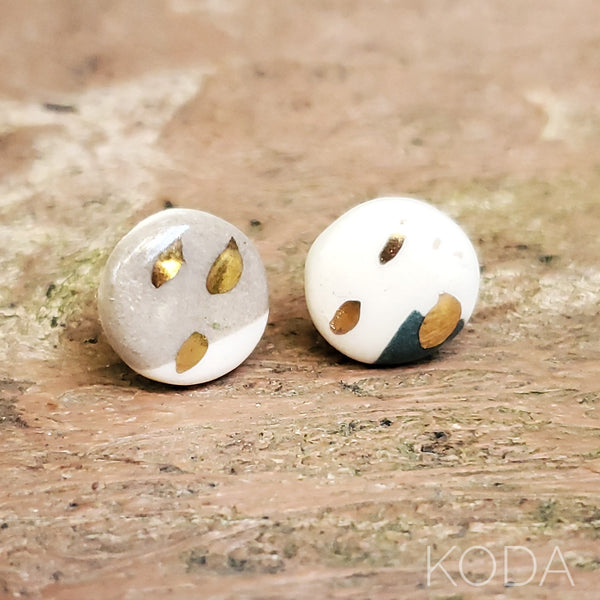 Multi-Verse Button Studs with Gold  010