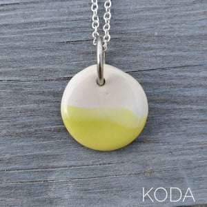 Spectrum Circle Necklace - Pear