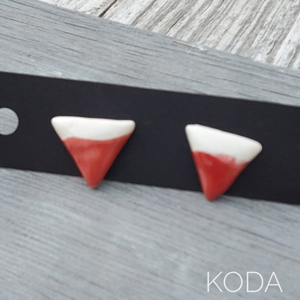 Spectrum Triangle Earrings - Snapdragon