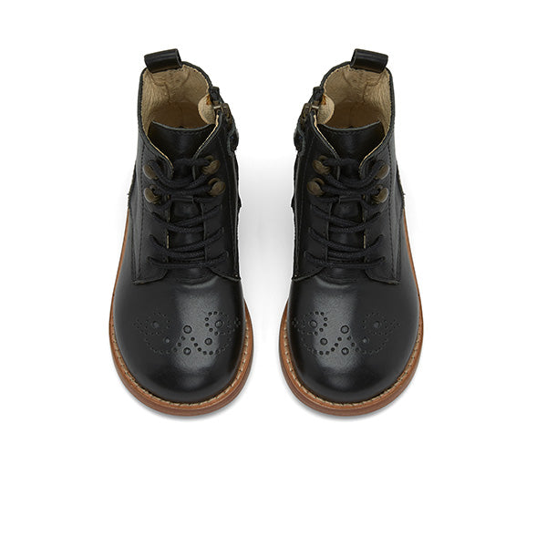 Buster Brogue Boot Black Leather