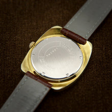 Load image into Gallery viewer, City Swiss Mens Classic Dress Watch From 1960s