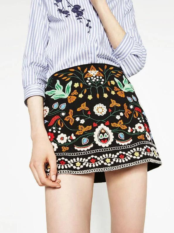 Pretty Embroidered Short Skirt Bottom