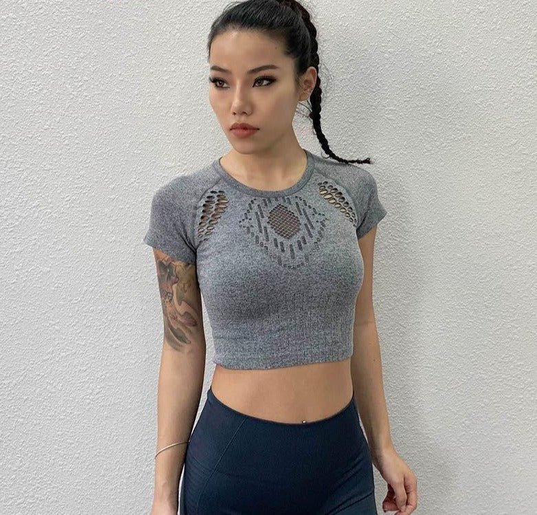 Women Sport T-shirts Female Yoga Shirt Hollow Out Gym Tee Tops Running Crop T-shirt Quick Dry Tops Fitness Shirts Cropped Blouse