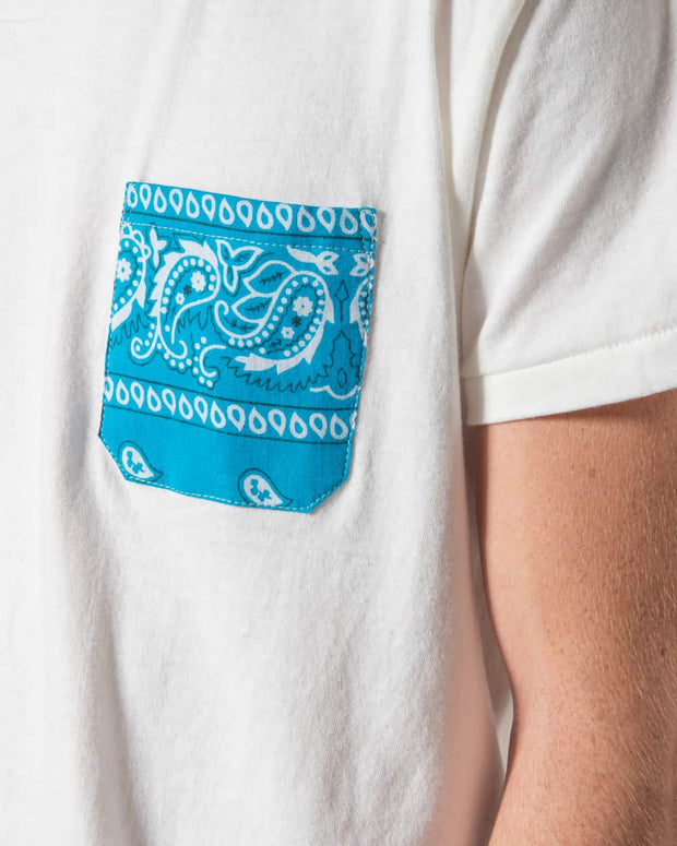 Overlord Upcycling Vintage | White T-shirts With Pocket Blue Bandana