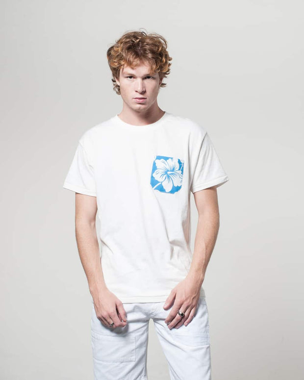 Overlord Upcycling Vintage | White T-shirts With Pocket Blue Hawiaïan Shirt