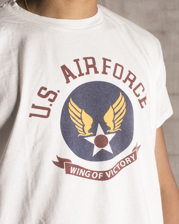 "Overlord Upcycling Vintage | White and Dark Colors ""Wing Of Victory"" US Air Force T-Shirt"