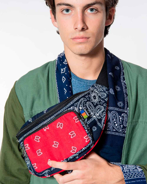 Overlord Upcycling Vintage | Red/Navy Banana Bag