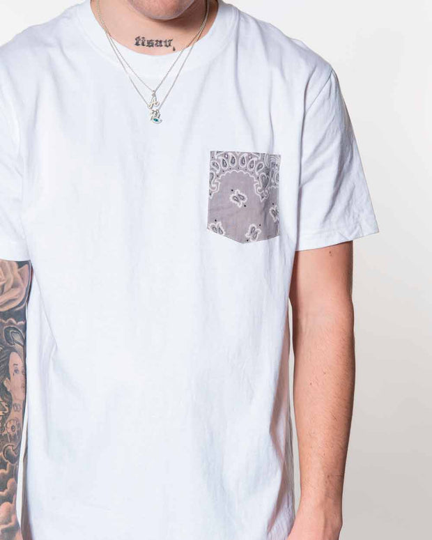 Overlord Upcycling Vintage | White T-shirts With Pocket Grey Bandana