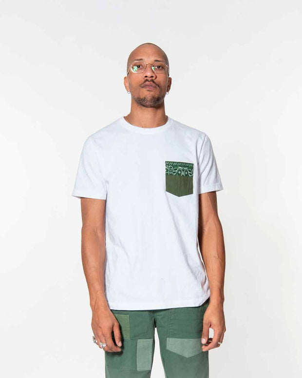 Overlord Upcycling Vintage | White T-shirts With Pocket Military and Olive Bandana