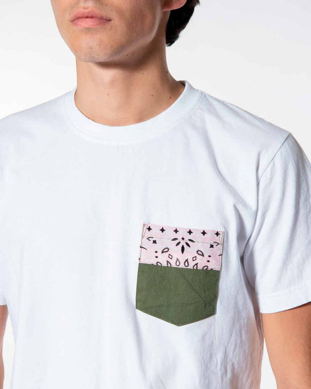 Overlord Upcycling Vintage | White T-shirts With Pocket Military and Pink Bandana