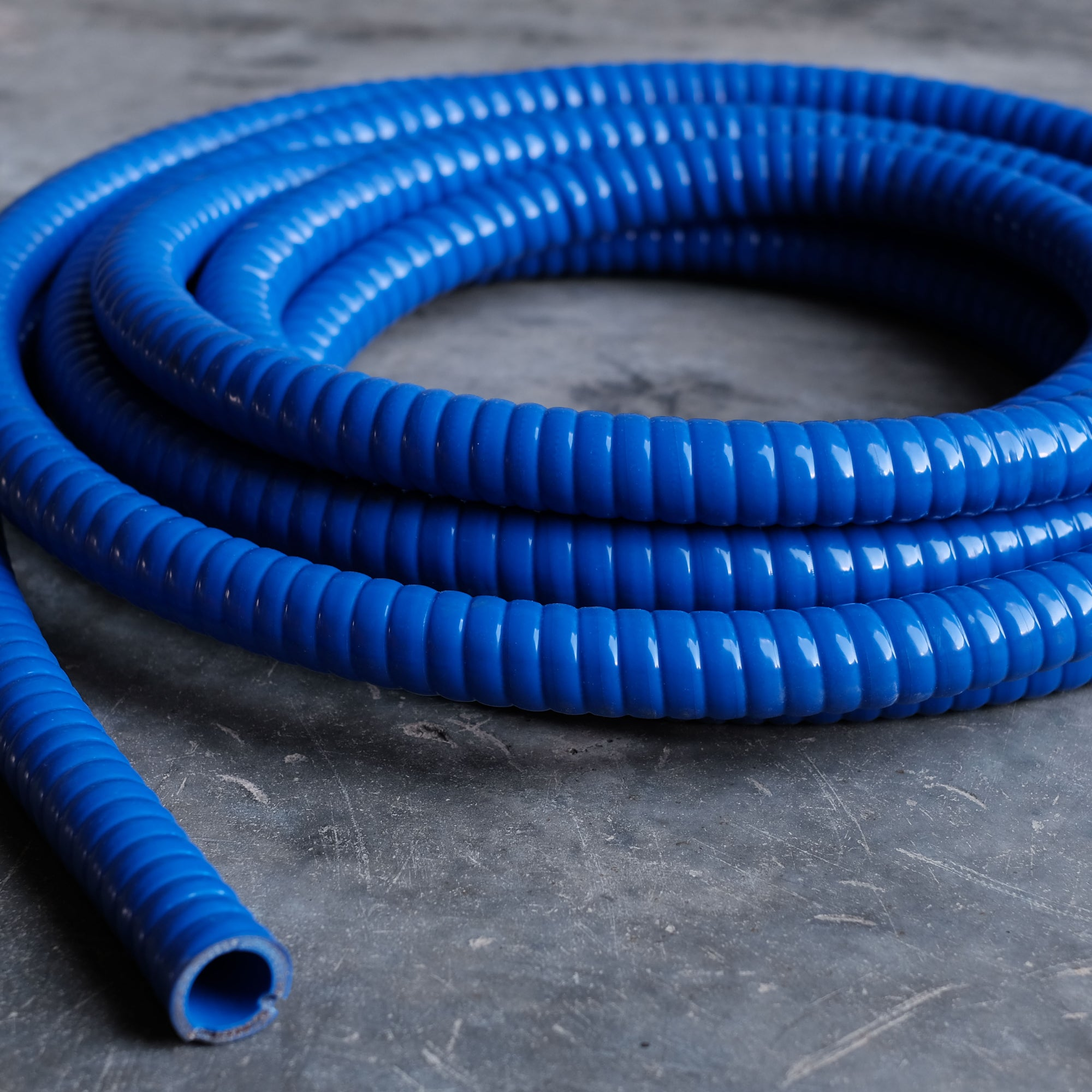 Flexible Wire Silicone Hose - ARIS Performance Silicone