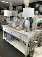 Hamptons Console / Glass urn lamps