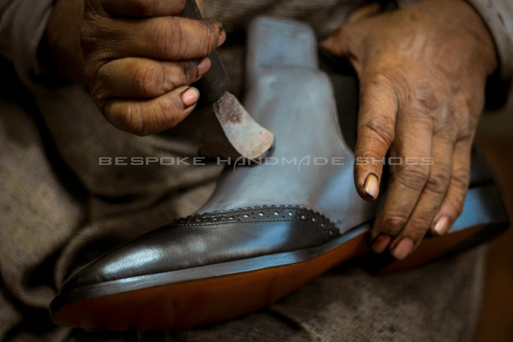 Men/'s handmade shoes in genuine leather