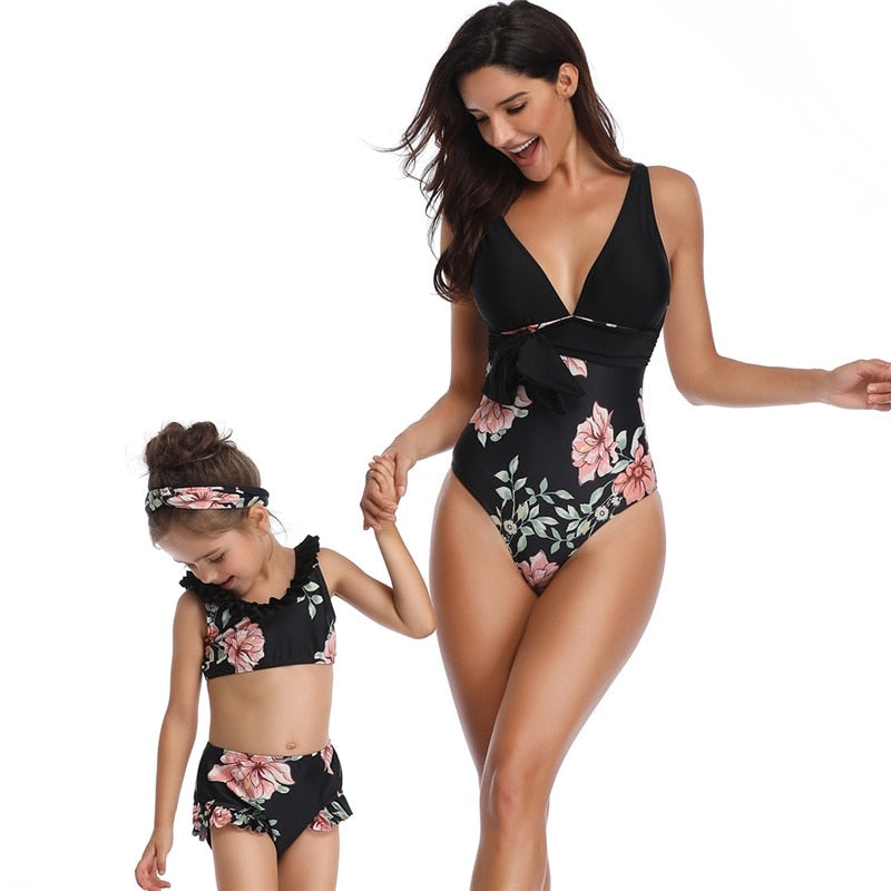 Mom Daughter Swimsuits Floral Mom Daughter Swimwear Family Look Mommy and Me Bikini Beach Swimming Wear