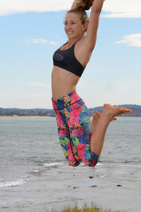 Black Aloha Capri Tights