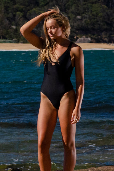EVE One Piece - Black