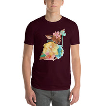 Baby Deer Fawn resting in Pastel Flowers Men's Short-Sleeve T-Shirt