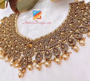 Antique Gold Necklace Earrings Tikka and Passa Set