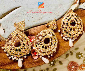 Jadau Golden White Beads Earring Tikka Set