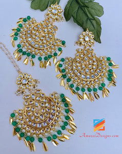Kundan Pippal Patti Oversized Green Beads Tikka Set
