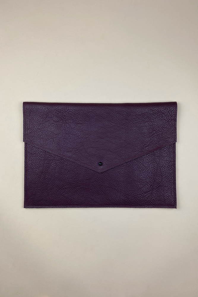 Load image into Gallery viewer, OXBLOOD SHERIDAN LAPTOP SLEEVE