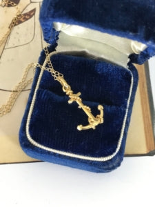 Vintage gold anchor necklace