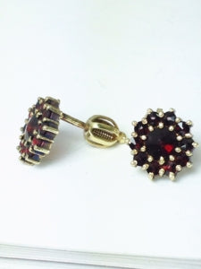 Vintage garnet stud earrings