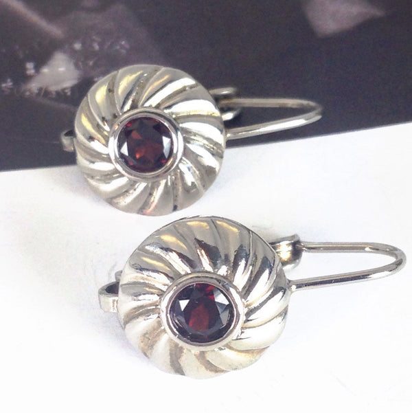 Vintage sterling silver and garnet circle earrings | Thailand red garnet drop earrings | bohemian bridal fine jewelry | windmill earrings