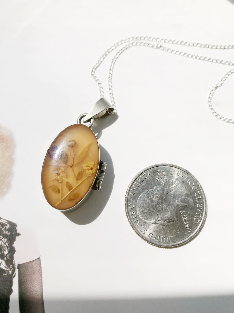 Vintage flower locket | 1970's pressed flower Alpaca Mexican locket necklace | flower bridal jewelry | anniversary Mother's Day gift for her
